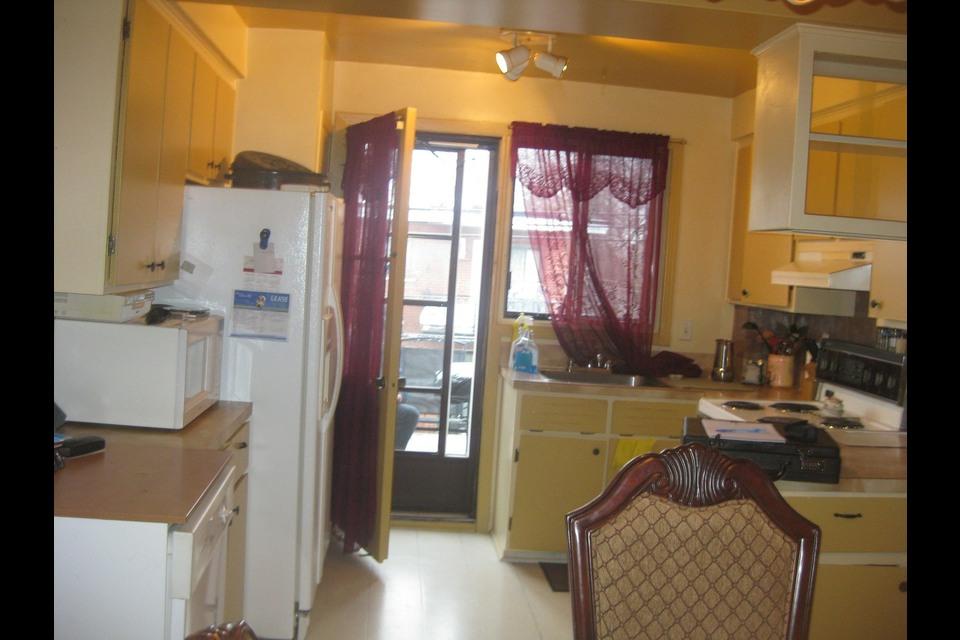 image 0 - Apartment - For rent - Montréal  (Saint-Leonard) - 5 rooms