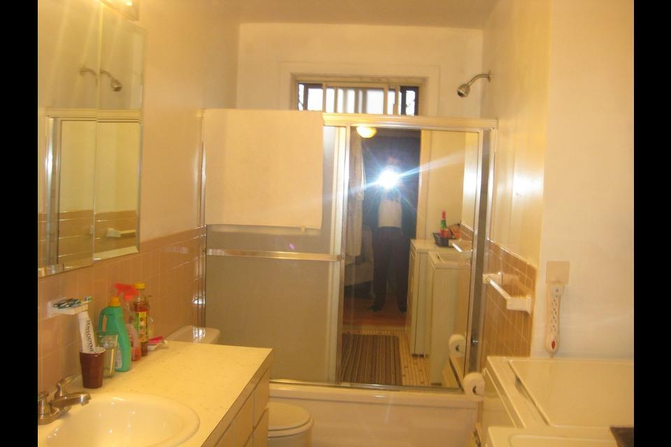 image 4 - Apartment - For rent - Montréal  (Saint-Leonard) - 5 rooms