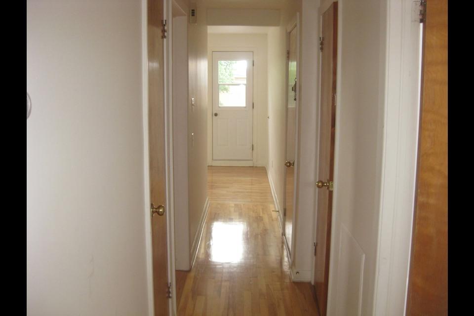 image 3 - Apartment - For rent - Montréal  (Saint-Leonard) - 4 rooms