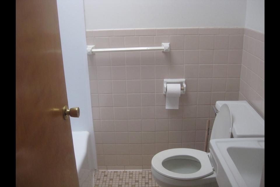 image 4 - Apartment - For rent - Montréal  (Saint-Leonard) - 4 rooms