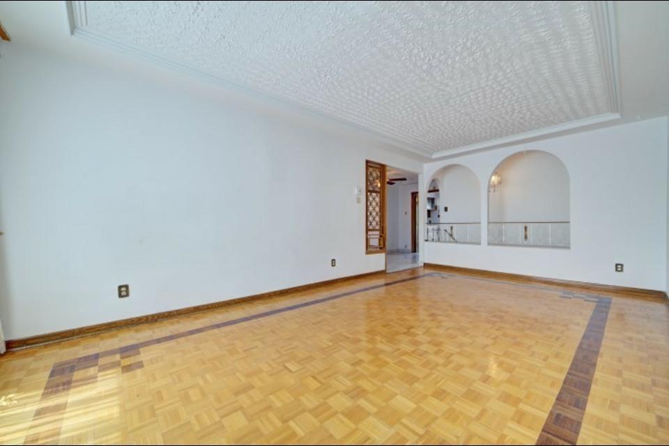 image 7 - Appartement - À louer - Montréal  (Saint-Leonard) - 6 pièces