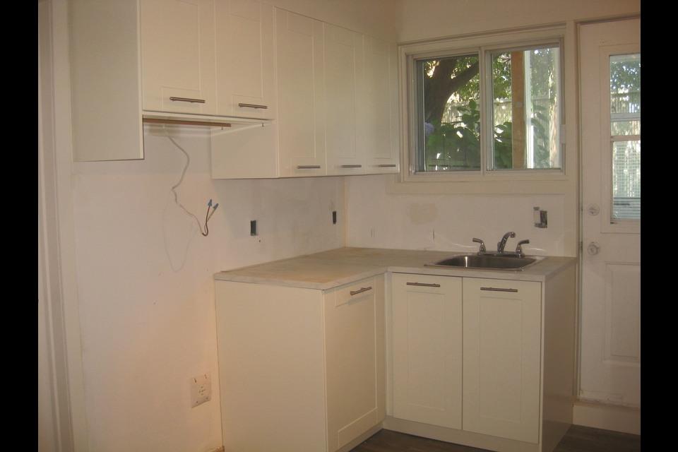 image 0 - Apartment - For rent - Montréal  (Saint-Leonard) - 3 rooms