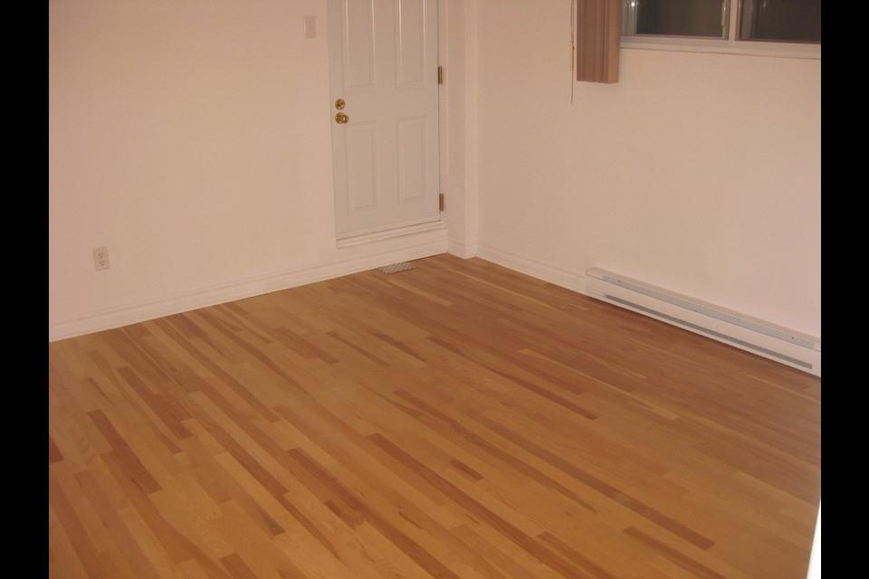 image 6 - Apartment - For rent - Montréal  (Saint-Leonard) - 4 rooms