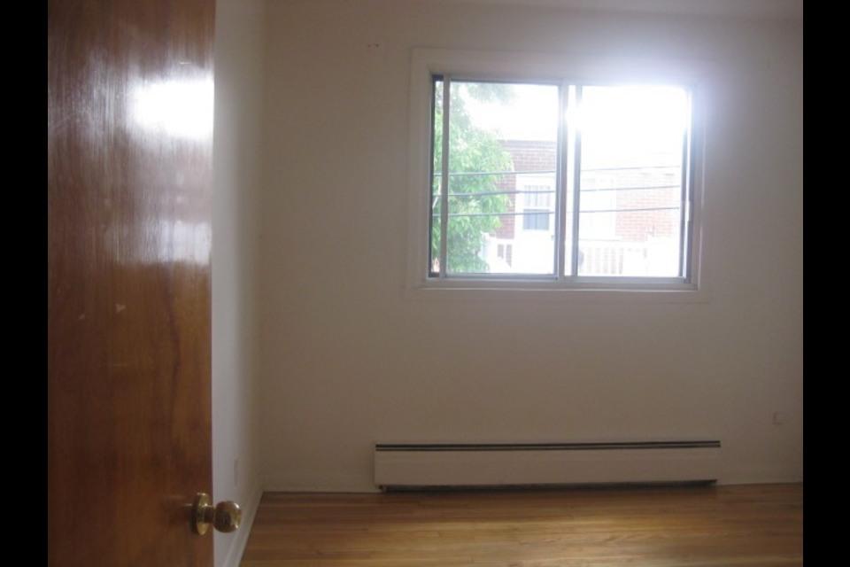 image 5 - Appartement - À louer - Montréal  (Saint-Leonard) - 4 pièces